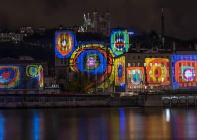 里昂灯节的起源_Fête des lumières de Lyon_cathedrale-st-jean-lyon-fete-lumieres-2012
