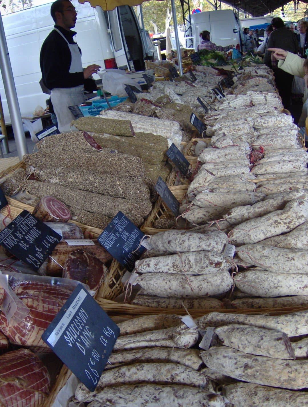Sausages,_Wednesday_market,_Salon-de-Provence