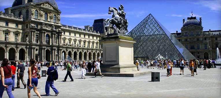 -france-musee-de-louvre[1]