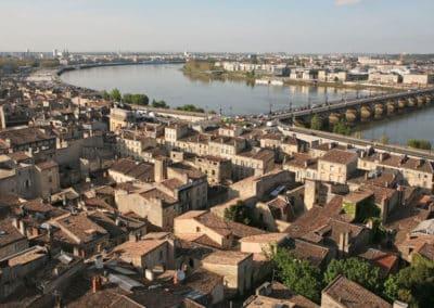 法国波尔多 Bordeaux-les toits de bordeaux et la port de la lune à bordeaux