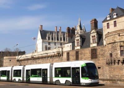 法国南特 Nantes tramway devant le château