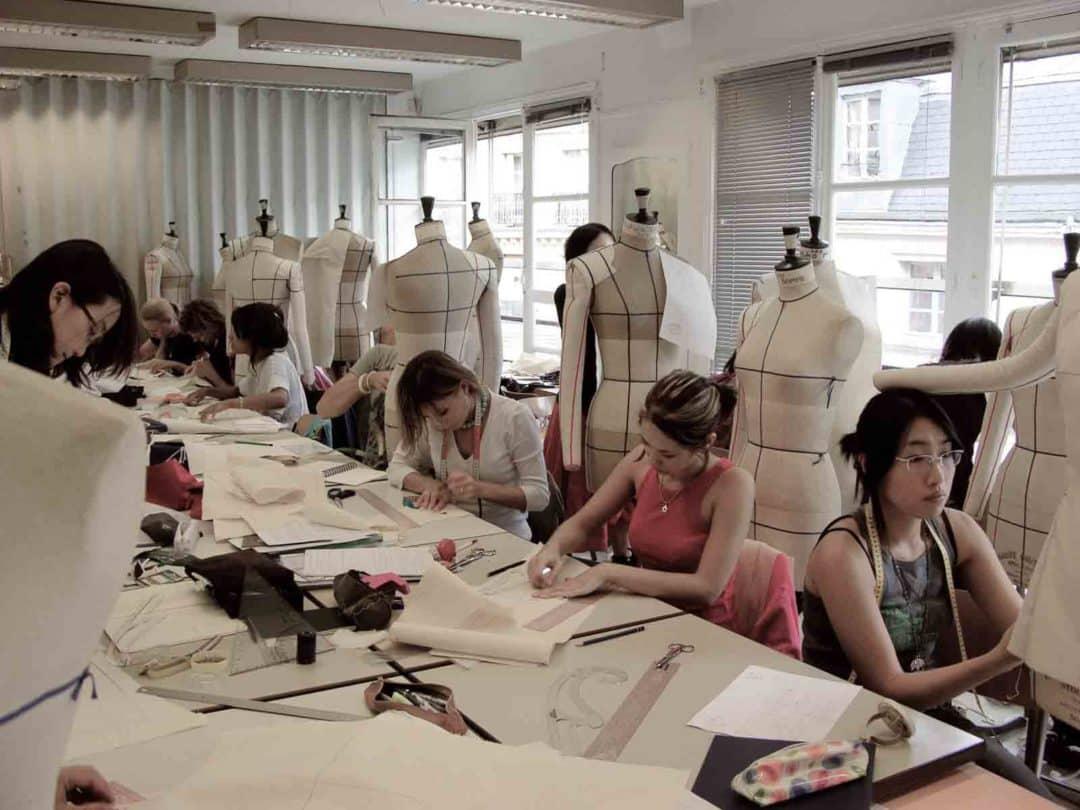 巴黎esmod时装学院_法国ESMOD国际服装设计学院,您了解吗威尔乐法语教授法国文化